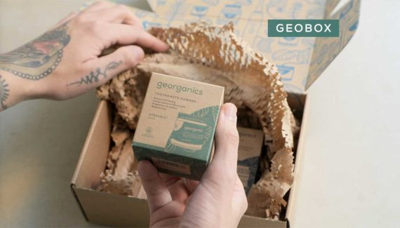Video with Animation - Georganics - screenshot 09 Customer opening a box of products- Toop Studio